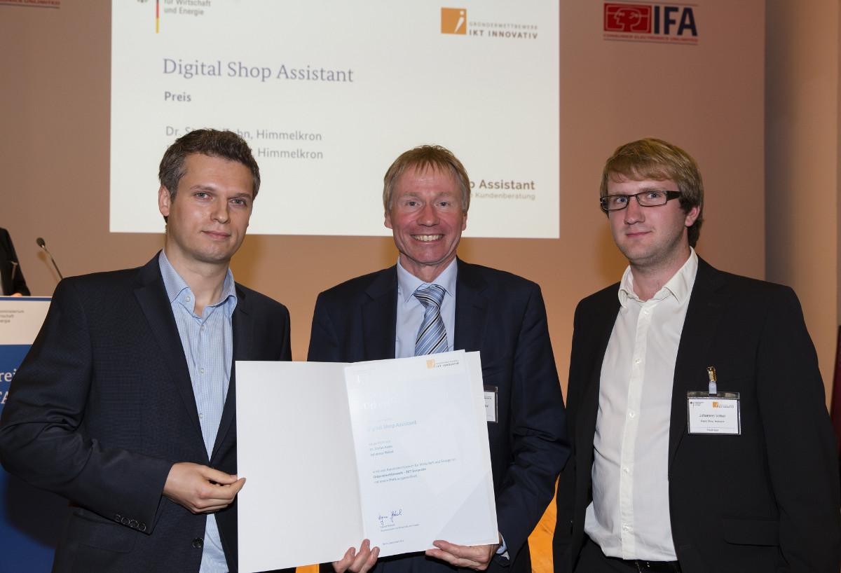 Preview: Preisverleihung Gründerwettbewerb IKT Innovativ IFA Berlin 2014 - Preisträger Kuhn und Völkel
